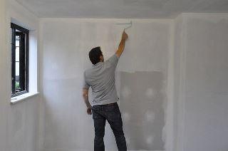Фото процесса Грунтовка стен в Перми