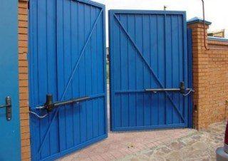 Фото процесса производства Промышленные распашные ворота в Перми