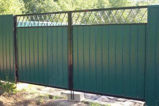 Фото процесса производства Распашные ворота для дачи в Перми
