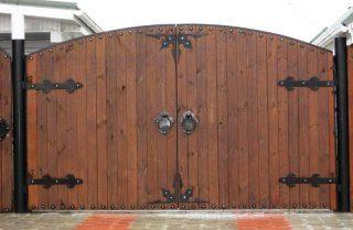 Деревянные распашные ворота в Перми